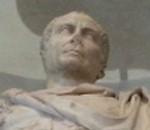 Comune-di-Roma-la-statua-di-Giulio-Cesare-con-la-kefiah-pro-Palestina